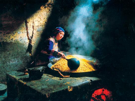 Chế biến rượu Ngô Hà Giang